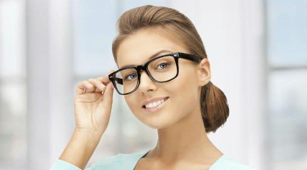 dica3 - Como cuidar dos seus óculos de sol e óculos de grau feminino usando  maquiagem em seu rosto 7010fa8132